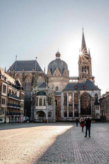 Podróż do Aachen w Niemczech